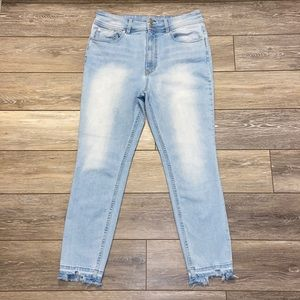WE THE FREE HIGH RISE JEANS SIZE 32 WAIST